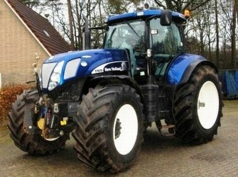 New Holland T7070 AC 4WD TRACTOR