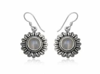 Zilveren oorhangers met maansteen