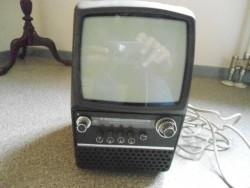 kleine zwart wit tv draagbaar