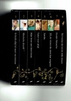 Casette met 8 boeken (waargebeurde verhalen)