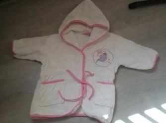 wit met roze DISNEY badjasje mt 74/80