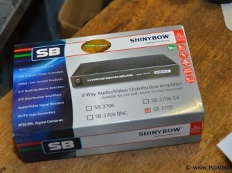 Shinybow SB-3705 1x4 stereo audio versterker
