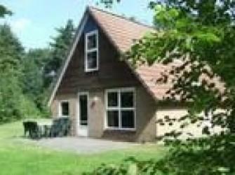 DG218*2x6p. vakantiehuis midden in de natuur