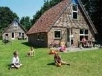 DG211*4p. vakantiehuis in de natuur Assen