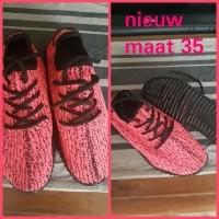 Nieuwe meiden schoenen