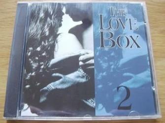 """Te koop de originele CD """"The Love Box 2"""" van Arcade."""