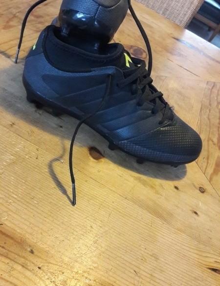 Adidas voetbalschoenen mt 36 2/3
