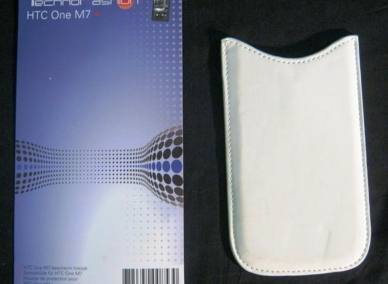 hoesje voor HTC One M7, zgan, wit, afm.binnen 8 x 13.5 cm
