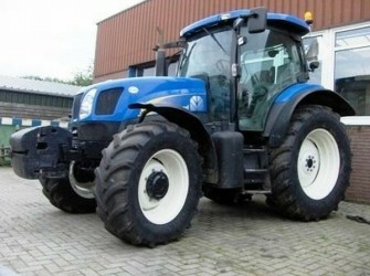 New Holland TS135A 4WD TRACTOR