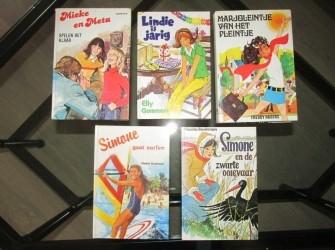 5 x (Vintage) meisjesboeken.