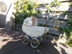 Opknappertje: Ouderwetse poppenwagen