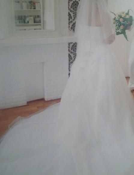 Prachtige trouw jurk. bestaand uit, lijfje en losse rok