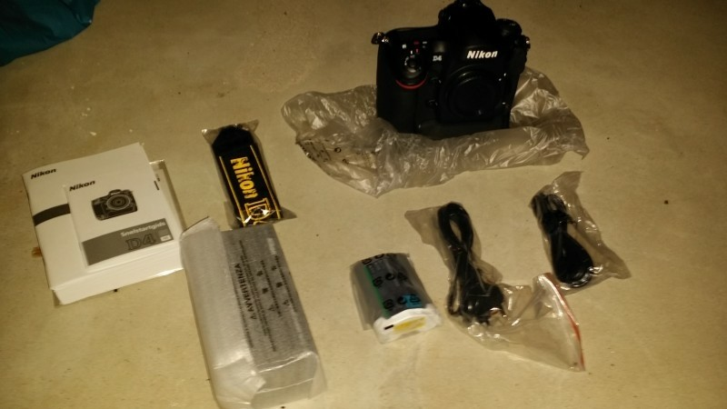 Nikon d4 spiegelreflex camera + nikor 50 mm lens
