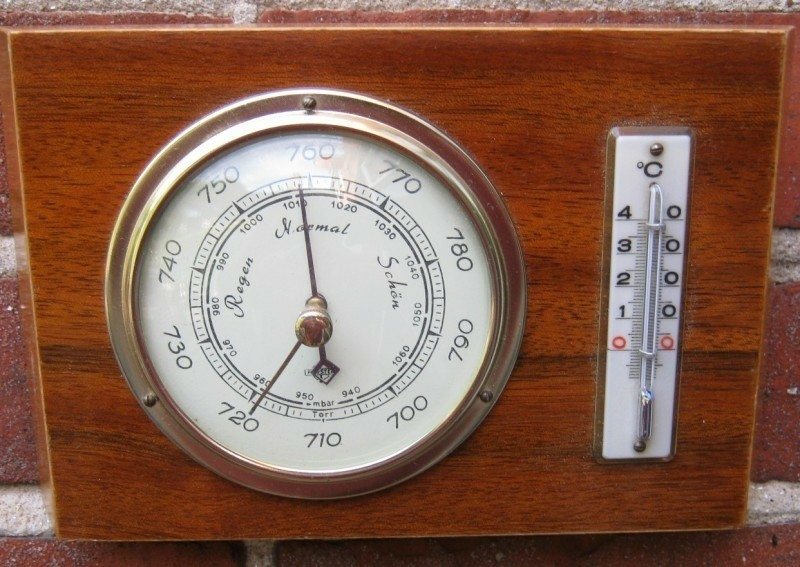 Baro-/thermometer,messing rand,hoogglans,hout bicolor,zgst