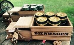 Nieuwe houten BIERWAGEN met 5 blikjes Hertog Jan Bier
