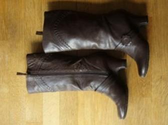 Mooie donkerbruine laarzen maat 38