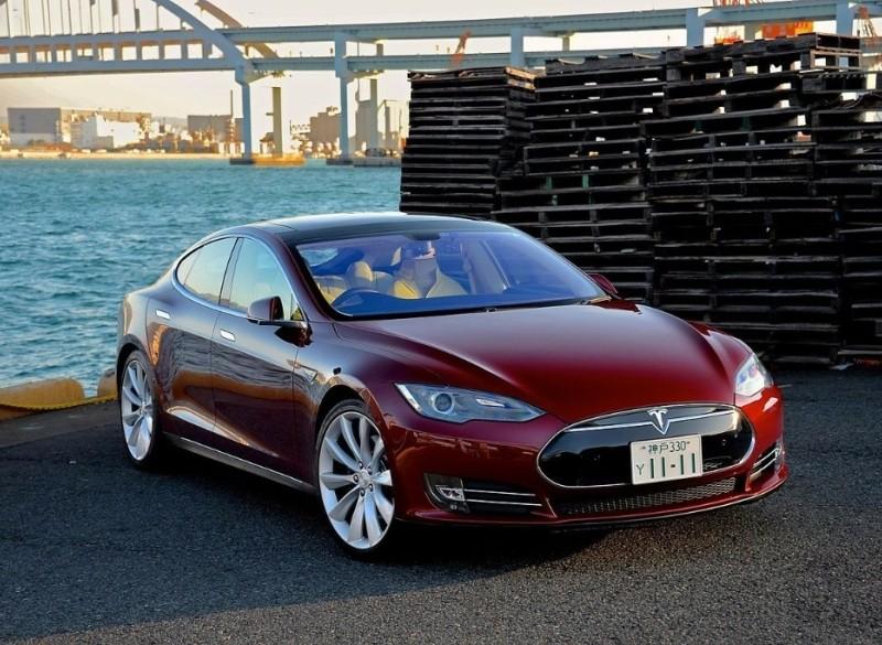 Tesla verkoop specialist. Verkoop je Tesla hier.