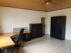 Compleet kantoormeubilair te koop