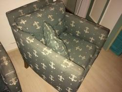 2 stoelen met donzen vulling.