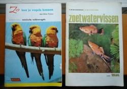 """Twee boeken """"Zo leer je vissen / vogels kennen"""" van Rizla."""