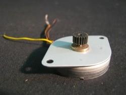 platte (stappen)elektromotor, bipolair, zgst, 38-46v, 37 Oh…