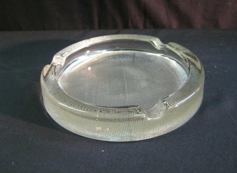 glazen asbak, groot model, ca.19 cm,diameter, z.g.a.n.zwaar