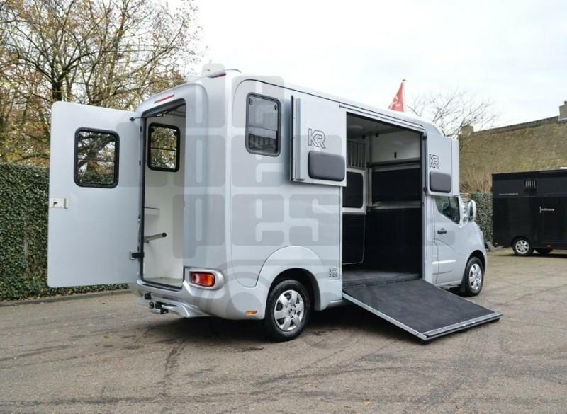 Krismar Renault Master Paardenvrachtwagen #38896
