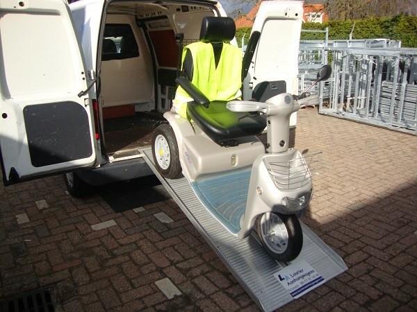 Aluminium oprijplaat voor  scootmobiel en rolstoel