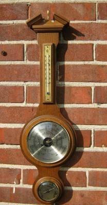 Klass. Banjo Baro-/hygro-/ thermometer,eiken,nst.