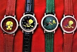 Uit mijn verzameling vier Tweety horloges.