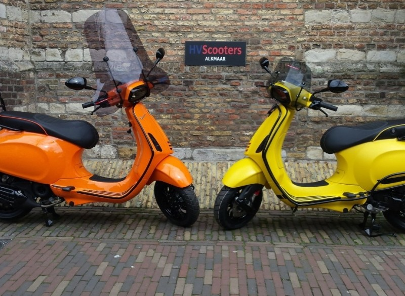 HV VESPA Sprint specials full options!