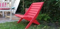 Houten rode tuinstoelen