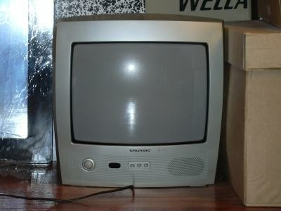 draagbare dus kleine tv PRIMA STAAT