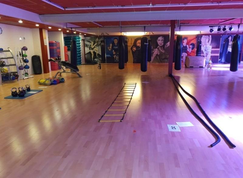 H.I.I.T. training, yoga, spinning, crossfit, fitness