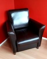 Mooie bruin lederen fauteuill € 25,-
