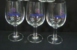 3 Löwenbräu bierglazen op voet, 0.4 liter, NW, met opdruk