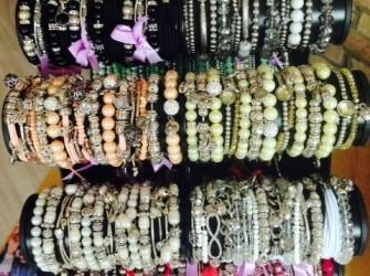 Verschillende soorten armbandjes per stuk