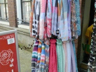 Sjaals verschillende soorten en kleure