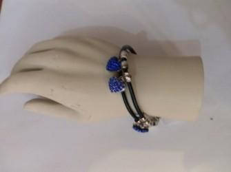 armband zwart met blauwhart