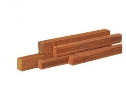 Hardhouten regels 4,5 x 7 x 400 cm geschaafd.