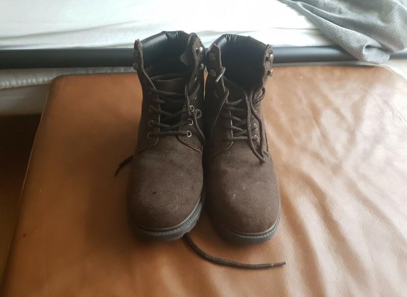 Hoge suede schoenen