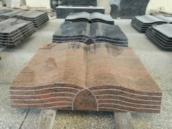 grafstenen / gedenkstenen van gepolijst graniet in boekvorm