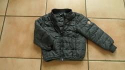 E 3,50 -> Stoer/comfortabel jasje, 98-104, prima staat