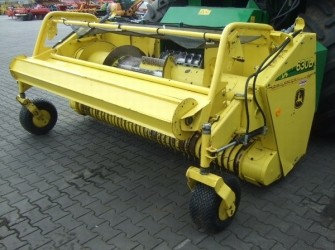 John Deere 630B GRAS PICK-UP