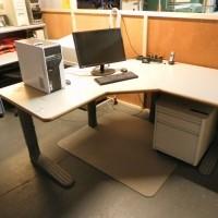 Heel mooi en ruim verstelbaar bureau.