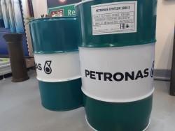 Petronas olie producten bij EDS in Beilen