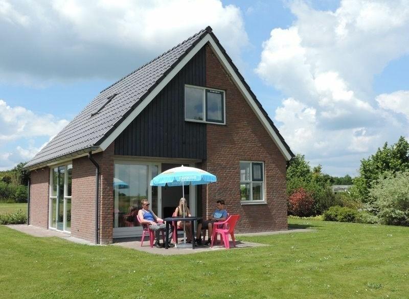 Vrijstaande bungalow voor 6 personen op park De Tien Heugte…