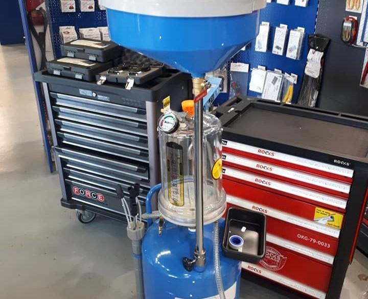 Nieuw bij EDS: Olie opvang unit met vacuüm systeem