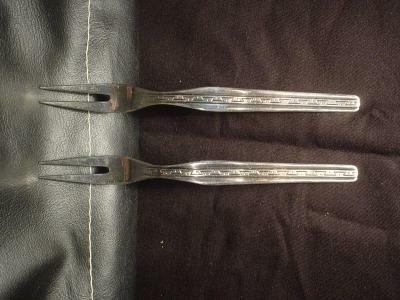 2 verz.vorkjes,geh. 100, 16 cm