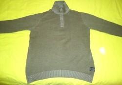 Te koop groene trui met knoopsluiting van Identic (maat: L)…